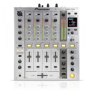 Pioneer DJM 700S