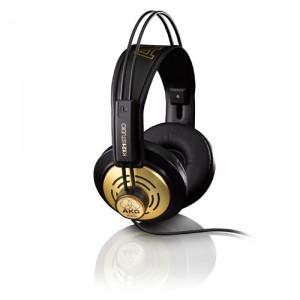AKG K121 Studio hoofdtelefoon